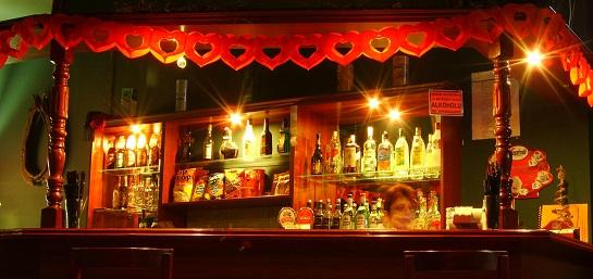 Meeting a guy at a bar. Good Idea or Bad idea? post image
